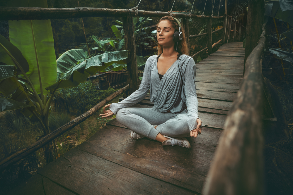 meditate-with-headphones